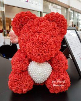 Roter Bär mit Perlenherz M